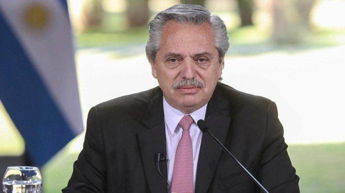 Alberto confirmó que recuperaron la estatua de Néstor Kirchner en UNASUR y anunció dónde la pondrán