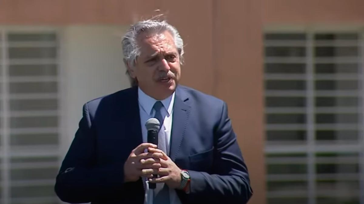 Alberto Fernández: «Devaluar es fácil, pero es una máquina de crear pobreza»