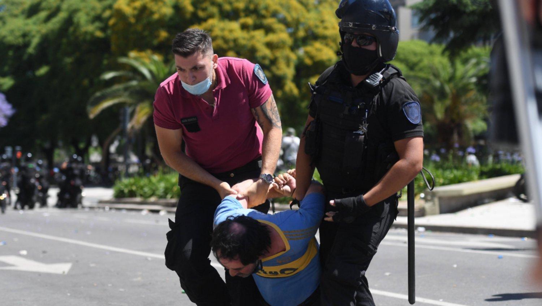 Reprimieron a manifestantes y el Gobierno exigió un freno al accionar de la policía de la Ciudad