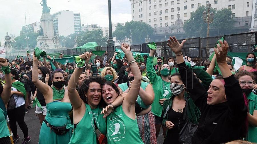 El aborto legal en la Argentina ya tiene media sanción y pasa al Senado para su definición