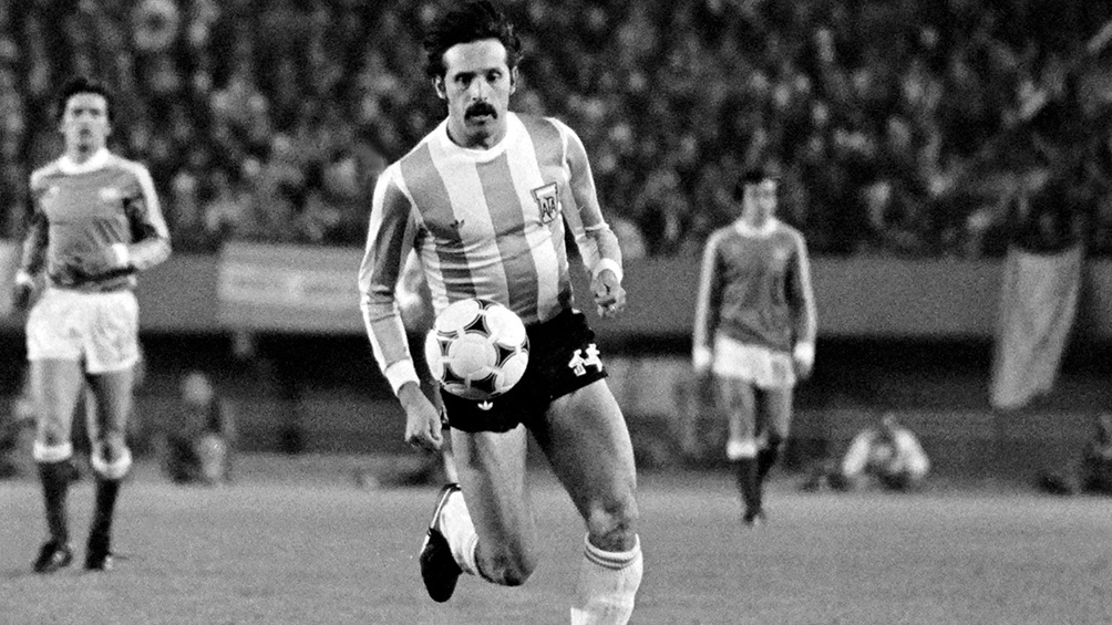 Murió por coronavirus Leopoldo Jacinto Luque, campeón, goleador y de temple gigante