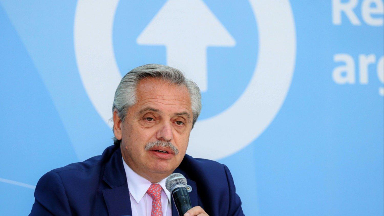 Alberto Fernández firmará un convenio de adhesión con sindicatos para asignar 1.200 viviendas