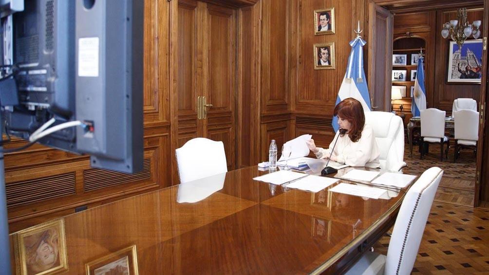Cristina aludió a un sistema «podrido y perverso» y culpó al Poder Judicial
