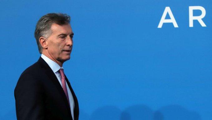 El Gobierno denunció a Macri por la deuda con el FMI