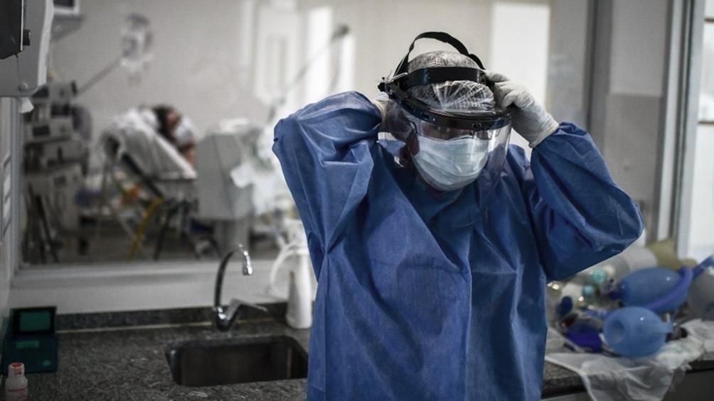 Nueva marca de casos: 27.001 personas fueron reportadas con coronavirus