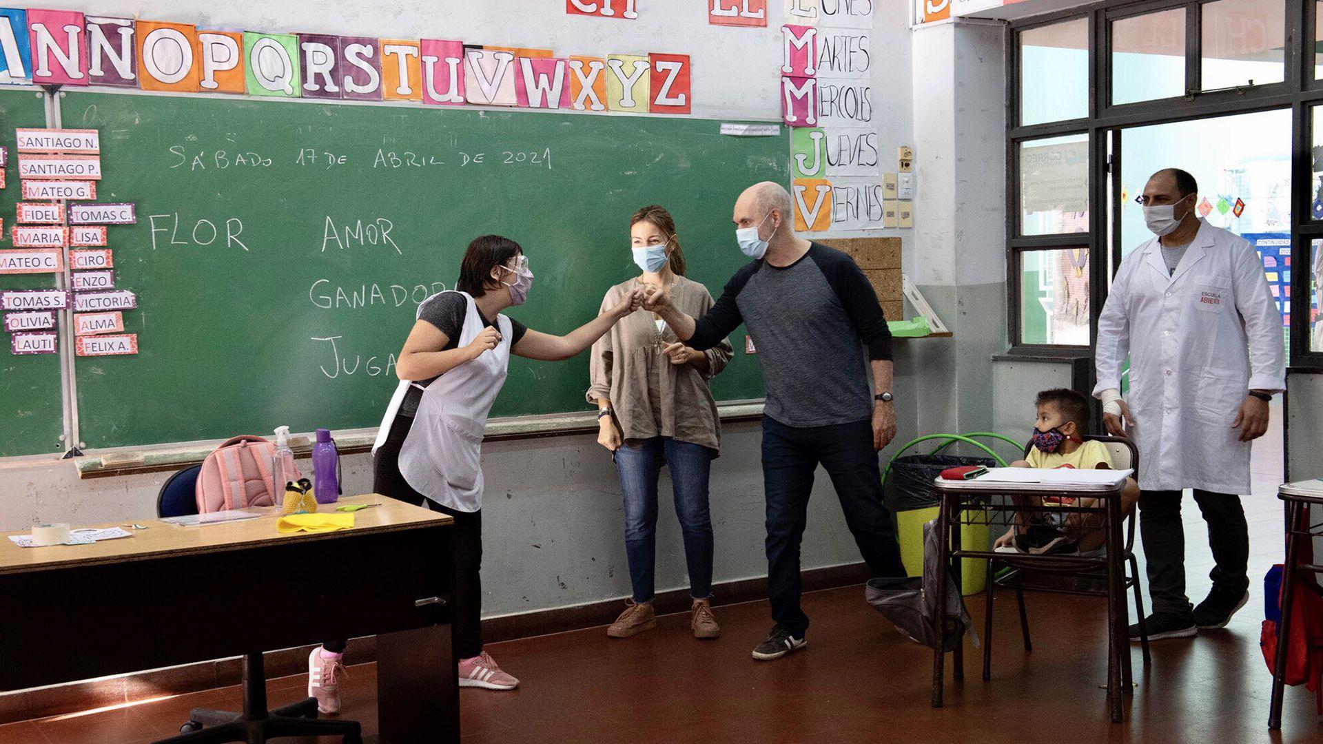 Nuevas maniobras opositoras para que las clases sean presenciales en el pico de la pandemia