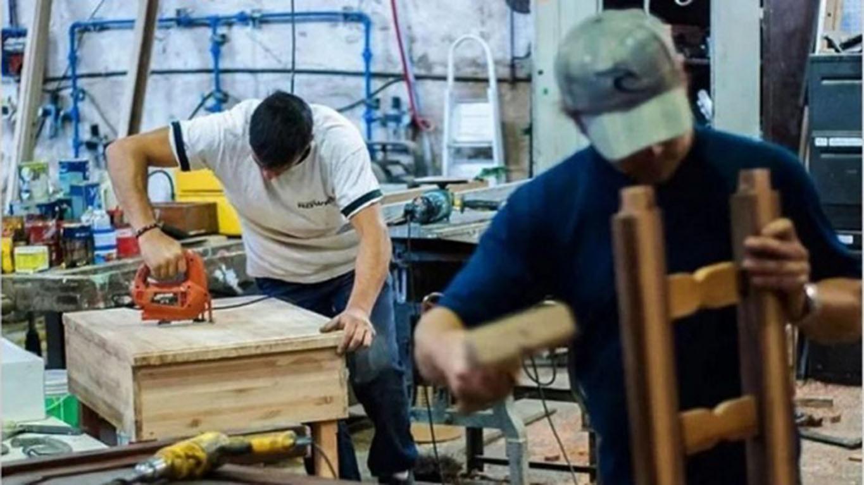 El salario mínimo subirá 35% hasta febrero 2022 y llegará a los $ 29.160