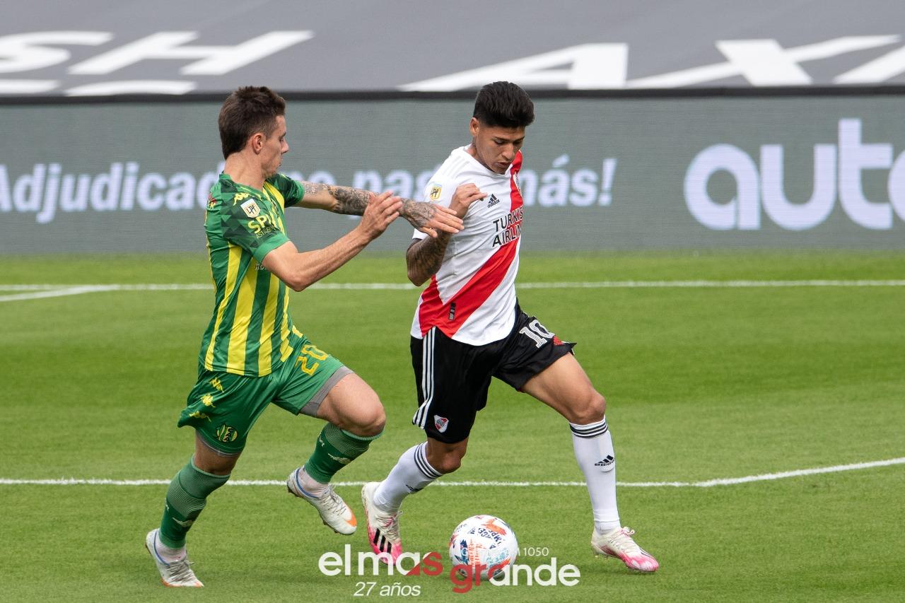River ganó, clasificó y tuvo el pedido de Rafael Borré por la paz en Colombia