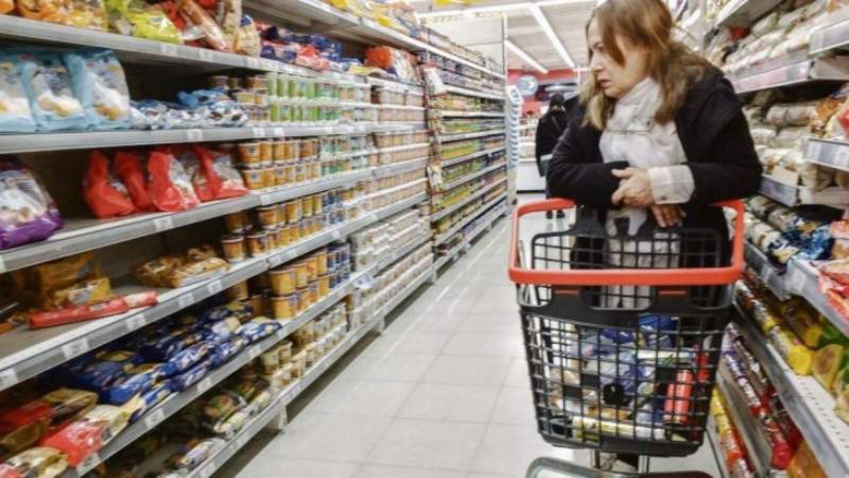 Súper Cerca: el Gobierno lanza una canasta de precios fijos para 70 productos esenciales