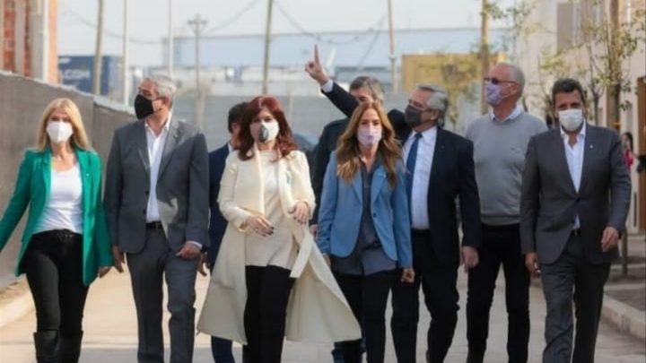 Alberto Fernández y Cristina Kirchner encabezan la entrega de la vivienda 20 mil de la gestión